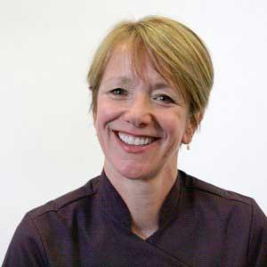 Dr Jennifer Kingston